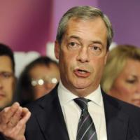 Farage, Renzi come tutti gli altri,vicino a 'mostro' Ue