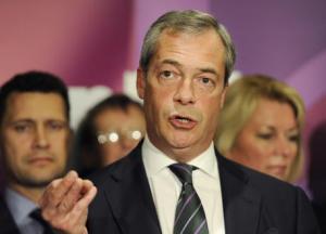 FARAGE POMO DISCORDIA MA GRILLO RILANCIA ALLEANZA CON UKIP